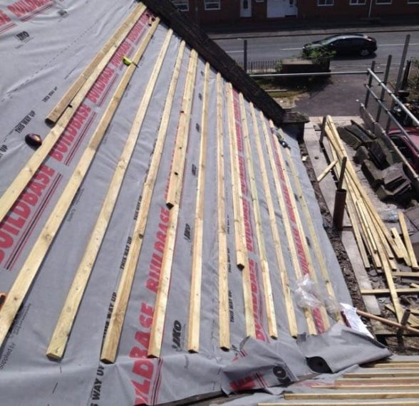 Latting and felting Roofs in S Sheffield